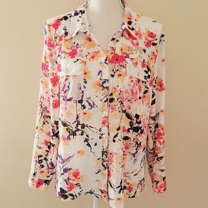 Notations floral utility button down size large
